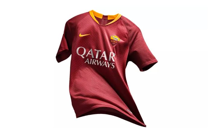 factory price 2a241 9d886 AS Roma published new Nike's home jersey for the 2018/19 season