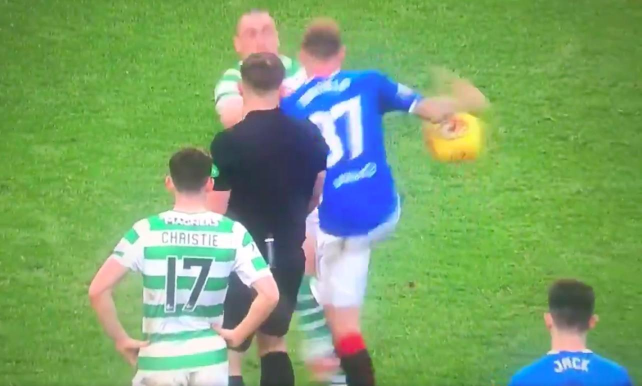 VIDEO - Rangers-Celtic, la palla contesa è una battaglia nel derby di Scozia