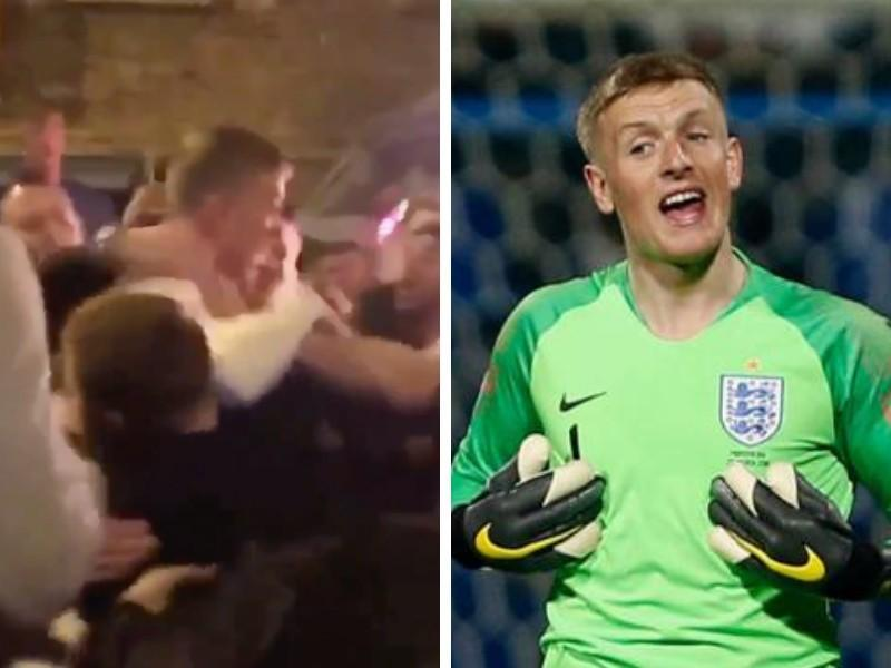 VIDEO - Everton, rissa al pub per Pickford: portato via con la forza