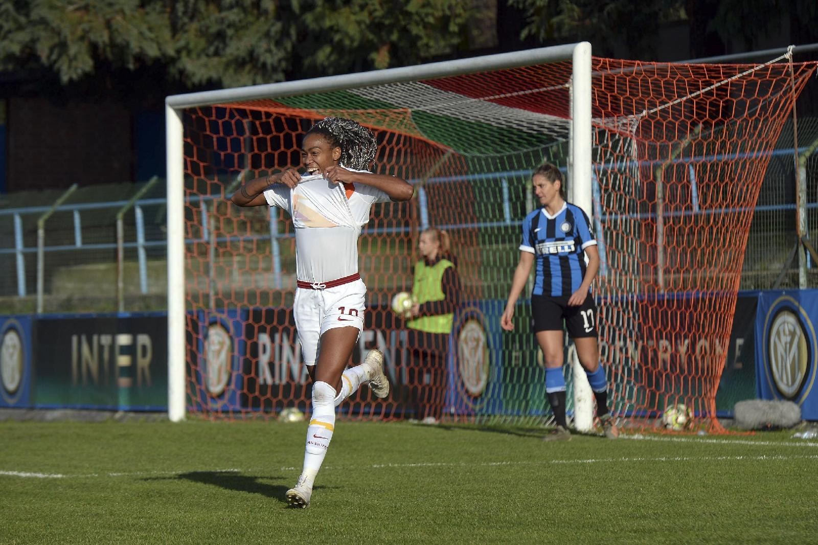 Lindsey Thomas dopo il gol all'Inter ©LaPresse