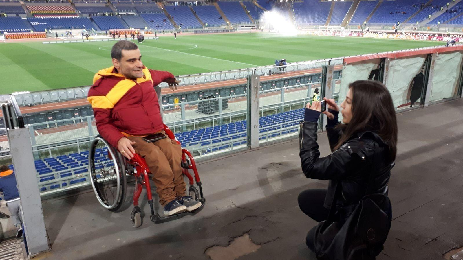 «Io, disabile allo stadio»: all'Olimpico a tifare la Roma con Marco