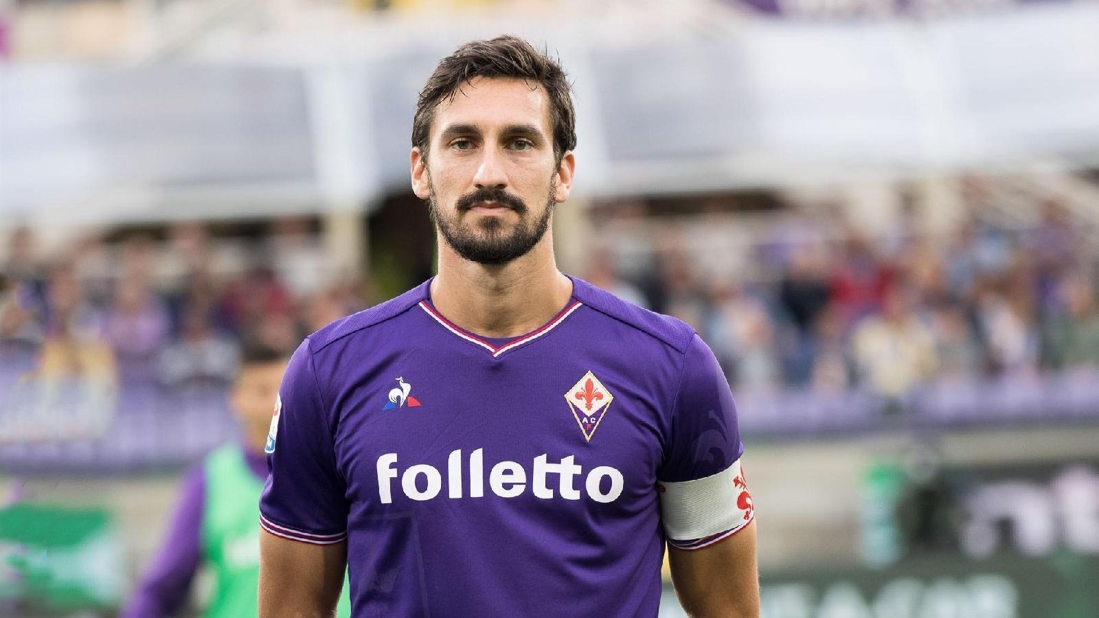 """L'addio della Fiorentina a Davide Astori sulle note di """"Blowin' in the wind"""""""
