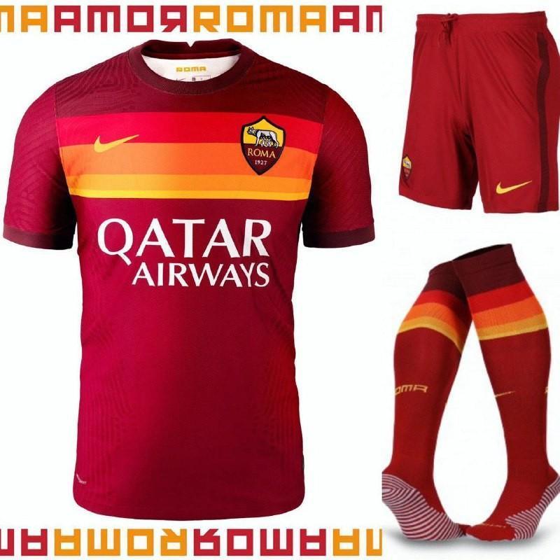 FOTO - Ufficiale: presentata la prima maglia 2020-21 della Roma