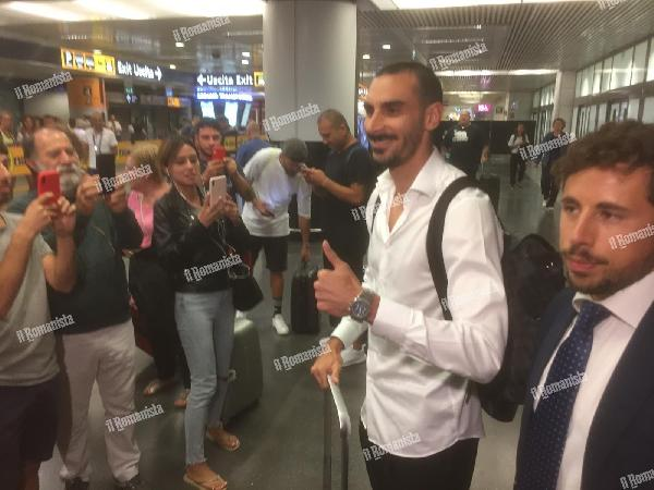 VIDEO - Zappacosta arriva a Roma: