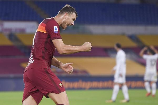 VIDEO - La Roma celebra Dzeko con la raccolta dei suoi gol in Europa League