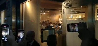 VIDEO - La Roma canta
