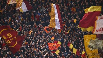 Do Barcelona and AS Roma have a problem with their tickets?