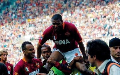 VIDEO - La Roma ricorda l'addio di Aldair allo Stadio Olimpico