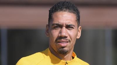 Smalling, serve una nuova offerta: l'Inter prova a inserirsi
